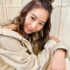 秋冬スタイル ミディアムレイヤー レイヤーカット フェミニン ヘアスタイルや髪型の写真・画像