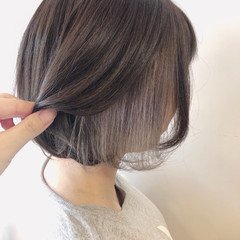 グレージュ インナーカラー フェミニン ボブ ヘアスタイルや髪型の写真・画像