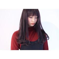 暗髪 カール シースルーバング イルミナカラー ヘアスタイルや髪型の写真・画像