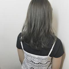 外国人風 イルミナカラー ガーリー ミディアム ヘアスタイルや髪型の写真・画像