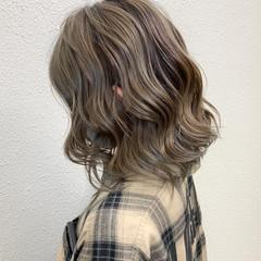 ミルクティー ミルクティーベージュ グレージュ ミディアム ヘアスタイルや髪型の写真・画像