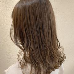 オリーブベージュ ナチュラル グレージュ オリーブグレージュ ヘアスタイルや髪型の写真・画像