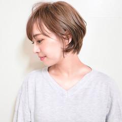 フェミニン ヘアアレンジ ナチュラル アウトドア ヘアスタイルや髪型の写真・画像