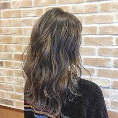 ダブルカラー ブリーチカラー バレイヤージュ ブリーチ必須 ヘアスタイルや髪型の写真・画像