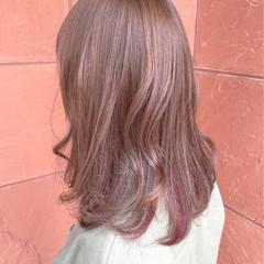 ピンク ガーリー インナーカラー ブリーチ ヘアスタイルや髪型の写真・画像