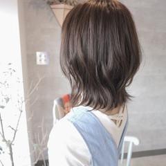 ブリーチなし ボブ グレージュ 外ハネボブ ヘアスタイルや髪型の写真・画像