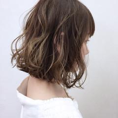 オレンジ リラックス イエロー ボブ ヘアスタイルや髪型の写真・画像