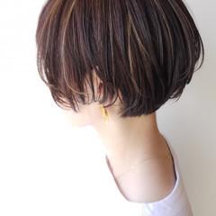 ハイライト ショートボブ ショート オフィス ヘアスタイルや髪型の写真・画像