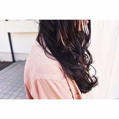 ブルーブラック 艶髪 ナチュラル ロング ヘアスタイルや髪型の写真・画像