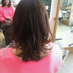 レッド パーマ ゆるふわ ピンク ヘアスタイルや髪型の写真・画像