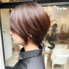 アンニュイほつれヘア ヘアアレンジ ショート アウトドア ヘアスタイルや髪型の写真・画像