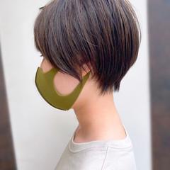 ナチュラル 耳かけ ショートヘア ショートボブ ヘアスタイルや髪型の写真・画像