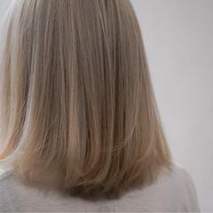 ハイトーン アッシュ ストリート ボブ ヘアスタイルや髪型の写真・画像