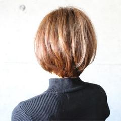 アッシュ ショートボブ アッシュベージュ グレージュ ヘアスタイルや髪型の写真・画像