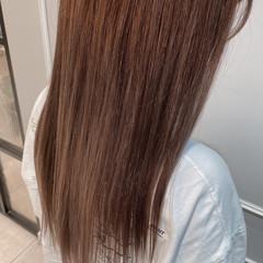 ロング くすみベージュ ブリーチカラー 透明感カラー ヘアスタイルや髪型の写真・画像