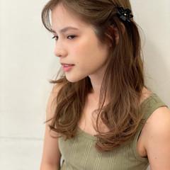 簡単ヘアアレンジ ロング 大人女子 ナチュラル ヘアスタイルや髪型の写真・画像
