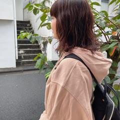 暖色 秋冬スタイル ゆるふわパーマ ぱっつん ヘアスタイルや髪型の写真・画像