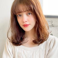 シースルーバング デジタルパーマ レイヤーカット ウルフカット ヘアスタイルや髪型の写真・画像