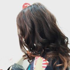 セミロング ピンク 上品 インナーカラー ヘアスタイルや髪型の写真・画像