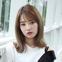 ミディアム ガーリー 艶髪 アンニュイほつれヘア ヘアスタイルや髪型の写真・画像
