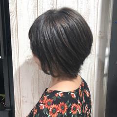 スモーキーアッシュ イルミナカラー 透明感 ナチュラル ヘアスタイルや髪型の写真・画像
