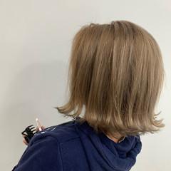 ブリーチ ミルクティーベージュ ミルクティー ベージュ ヘアスタイルや髪型の写真・画像