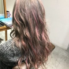 ガーリー ピンク ミルクベージュ ダブルカラー ヘアスタイルや髪型の写真・画像
