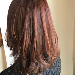 セミロング フェミニン ピンクアッシュ ゆるふわ ヘアスタイルや髪型の写真・画像
