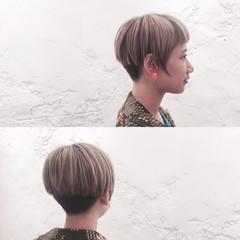 ハイトーン ショート 刈り上げ モード ヘアスタイルや髪型の写真・画像