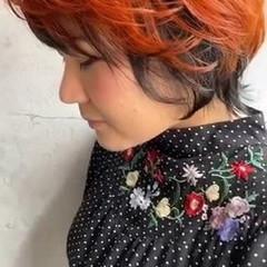 オレンジカラー デザインカラー モード ショート ヘアスタイルや髪型の写真・画像
