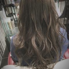 グラデーションカラー グレージュ ゆるふわ ガーリー ヘアスタイルや髪型の写真・画像