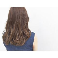 大人かわいい イルミナカラー ゆるふわ ロング ヘアスタイルや髪型の写真・画像