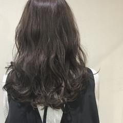 地毛風カラー グレージュ ロング 大人かわいい ヘアスタイルや髪型の写真・画像