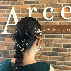 結婚式ヘアアレンジ くるりんぱ エレガント セミロング ヘアスタイルや髪型の写真・画像