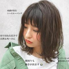ミディアム スポーツ エフォートレス オフィス ヘアスタイルや髪型の写真・画像