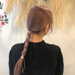 ピンクグレージュ ロング ヘアアレンジ 簡単ヘアアレンジ ヘアスタイルや髪型の写真・画像