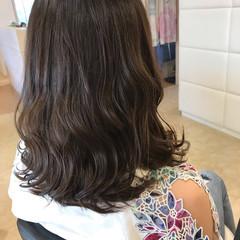 オフィス 簡単ヘアアレンジ ナチュラル アウトドア ヘアスタイルや髪型の写真・画像