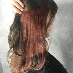 ハイライト セミロング インナーカラー フェミニン ヘアスタイルや髪型の写真・画像