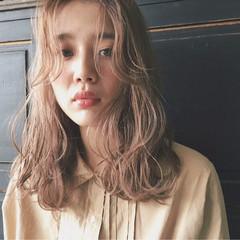 大人女子 前髪あり ナチュラル 小顔 ヘアスタイルや髪型の写真・画像