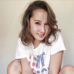 外国人風カラー ダブルカラー バレイヤージュ 外ハネ ヘアスタイルや髪型の写真・画像