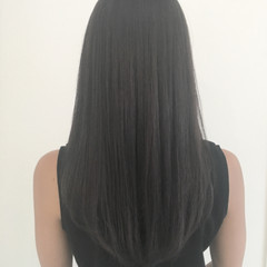 ロング 外国人風 グレージュ 暗髪 ヘアスタイルや髪型の写真・画像