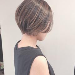 ショートヘア 大人ハイライト ナチュラル ハイライト ヘアスタイルや髪型の写真・画像