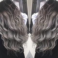 簡単ヘアアレンジ ロング アウトドア ゆるふわ ヘアスタイルや髪型の写真・画像