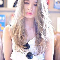透明感カラー レイヤーカット エレガント ロング ヘアスタイルや髪型の写真・画像