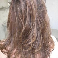透明感 外国人風カラー ミディアム フェミニン ヘアスタイルや髪型の写真・画像