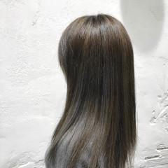 セミロング 透明感 アッシュグレー 大人ハイライト ヘアスタイルや髪型の写真・画像