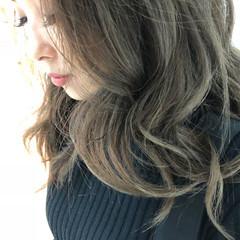 上品 外国人風カラー グレージュ ネイビーアッシュ ヘアスタイルや髪型の写真・画像
