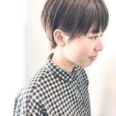 ショート ショートヘア 前下がりショート ナチュラル ヘアスタイルや髪型の写真・画像