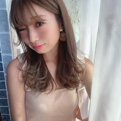 フェミニン 前髪 ミルクティーグレージュ ミディアムヘアー ヘアスタイルや髪型の写真・画像