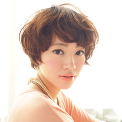 ゆるふわ アッシュ 大人かわいい ナチュラル ヘアスタイルや髪型の写真・画像